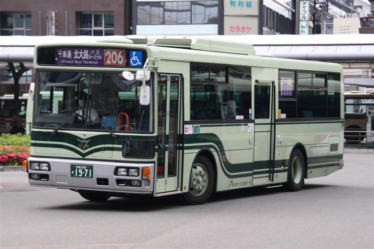 京都市バス 京都200か1971 いすゞPDG-LV234L2