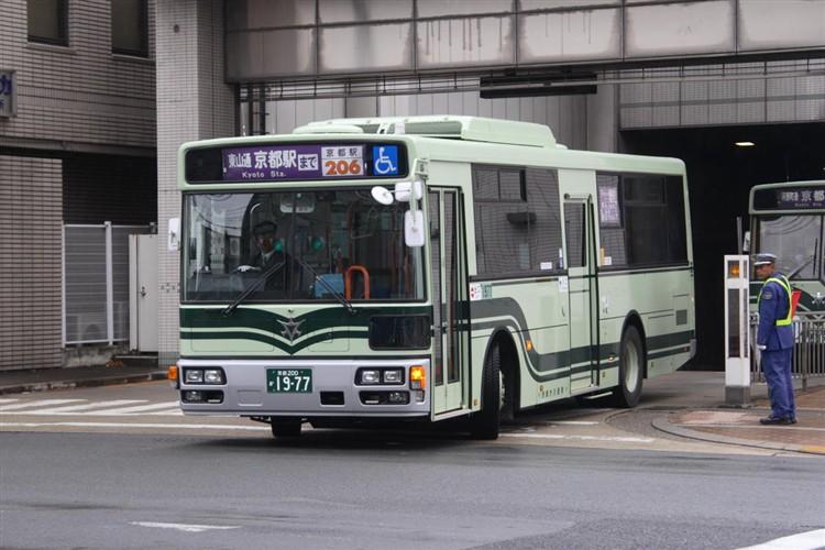 京都市バス 京都200か1977 いすゞPDG-LV234L2