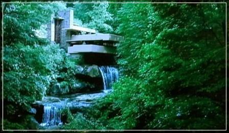 アメリカの建築家 フランクロイド・ライト  落水荘  福山雅治 キューピーハーフ