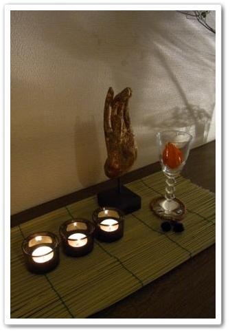 お盆の室礼 迎え火 仏の手 ほおずき
