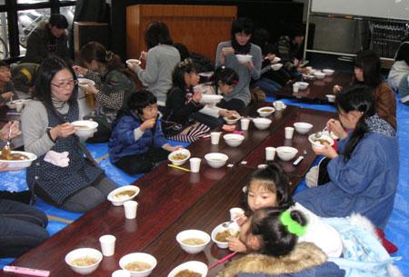 2009収穫祭_食べる