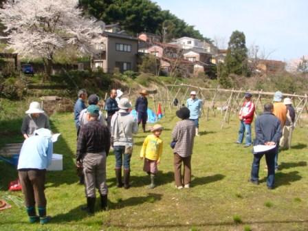 2010ジャガイモ植え付け農園講習1