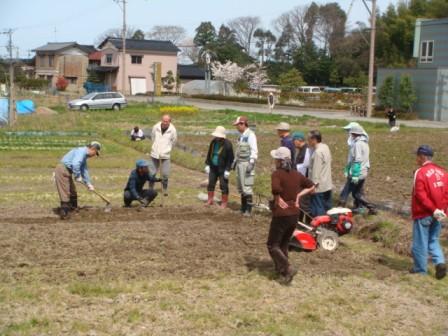 2010ジャガイモ植え付け農園講習2