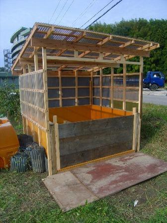 2010ダンボールコンポスト堆肥場完成