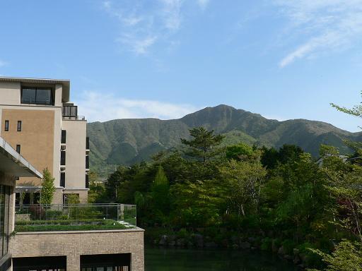 緑の山々ホテル