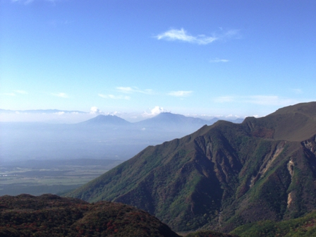 段原からの阿蘇山P1011032