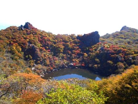 大船山山頂から御池の紅葉CIMG0414