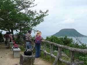 2011.06.22唐津城から高島を望む