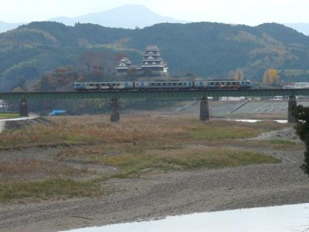大洲城 と 2000系特急気動車 2