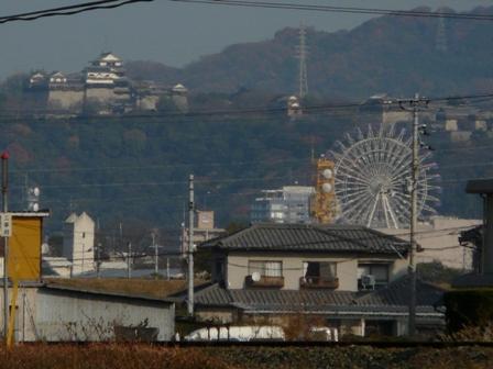 松山城とくるりん