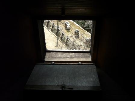松山城 8  天守閣の狭間
