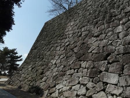 松山城 16 本丸の石垣