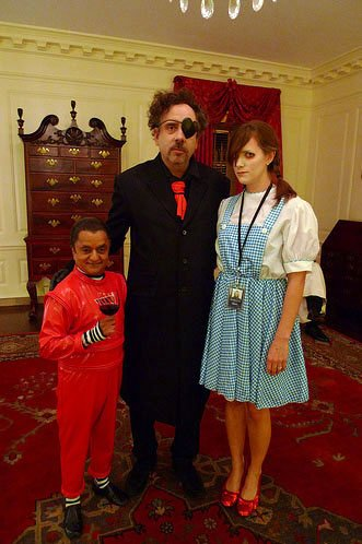 http://www.johnny-depp.org/admin/pics/news/2009-10-31%20HalloweenTimBurton_4.jpg