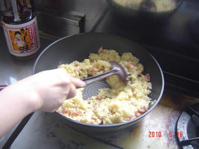 ⑨ご飯を炒める2