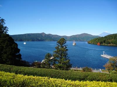 """箱根芦ノ湖""""成川美術館様""""から富士山を望む"""