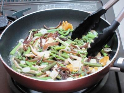 ④山菜炒め