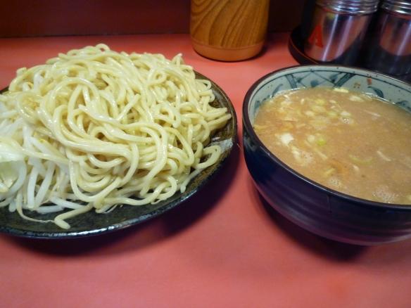 11年8月7日 歌舞伎町 つけ麺ヤサイニンニク