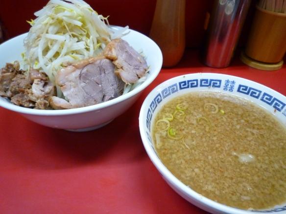 11年8月27日 上野毛 小ラーメン つけ麺 ヤサイニンニク
