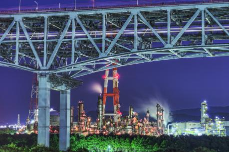 瀬戸大橋と番の州臨海工業団地の夜景