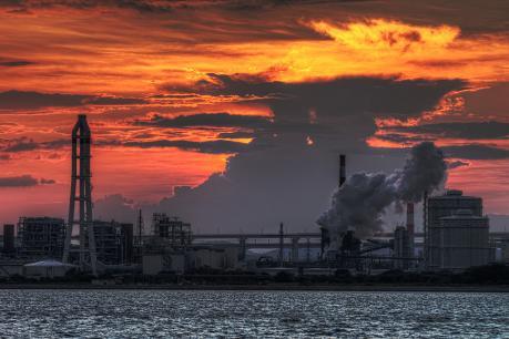 坂出市番の州工業団地の夕暮