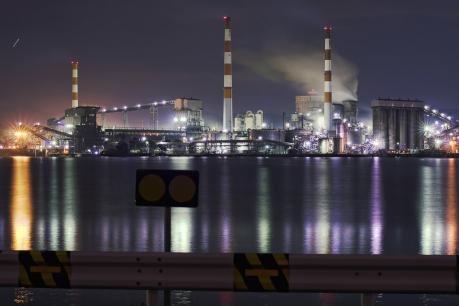 坂出市番の州工業団地の夜景