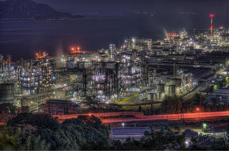 大竹コンビナートの夜景と厳島