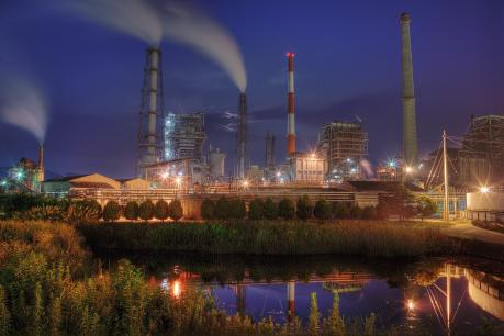 大竹コンビナート_製紙工場の夜景