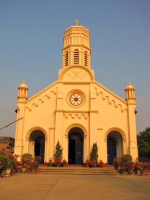夕色に染まる教会@サワンナケート