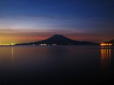 夕闇の桜島