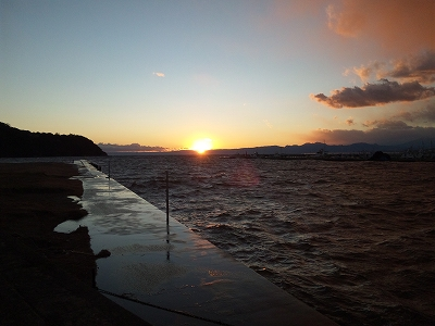江ノ島夕日20111225