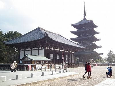 興福寺東金堂と五重塔20111229