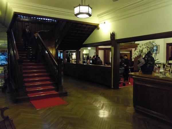 富士屋ホテル入口付近20120128