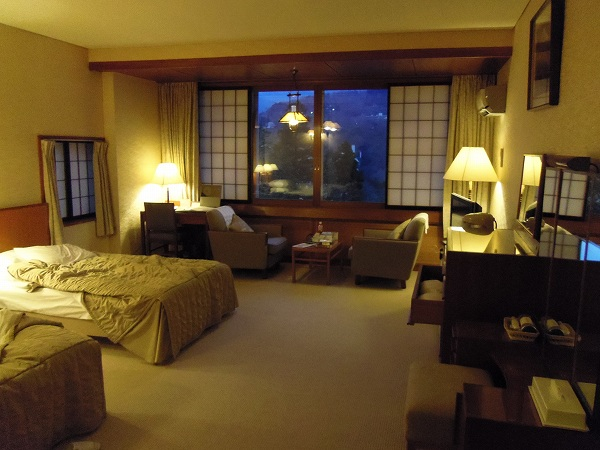 富士屋ホテル客室1-20120128