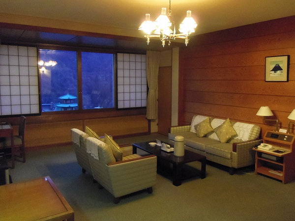 富士屋ホテル客室2-20120128