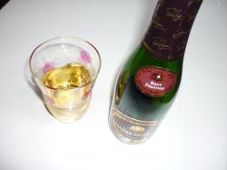 P1030650シャンパン.JPG250