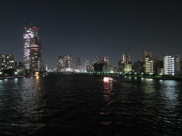 日没後の勝鬨橋から月島方面