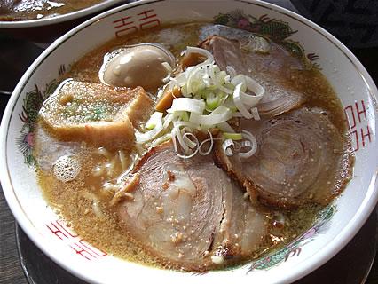 麺や ゼットン バラそば(750円)+トッピン具(煮玉子)(100円)