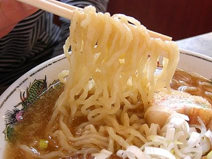 麺や ゼットン バラそば(750円)+トッピン具(煮玉子) 麺