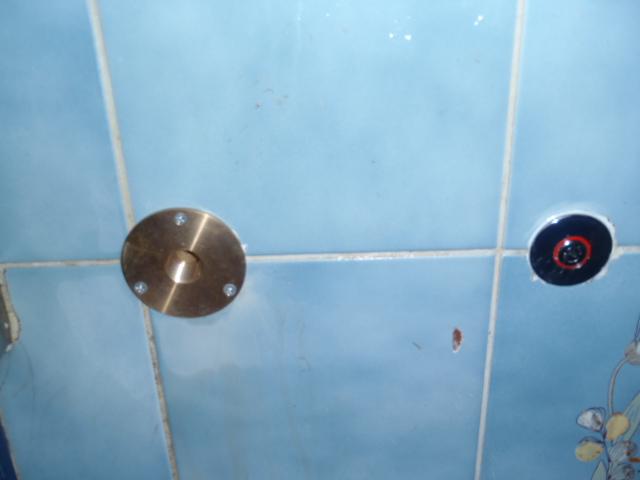 浴室壁貫通工事後