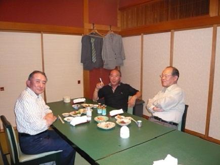 末広屋にて水島・松岡・沖本Oct2008