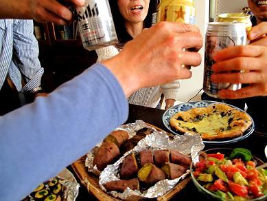 石窯パーティー乾杯