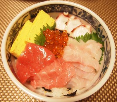 海鮮丼にしました。