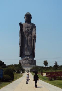 牛久の大仏全体像