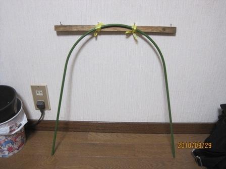 防鳥糸を張る道具