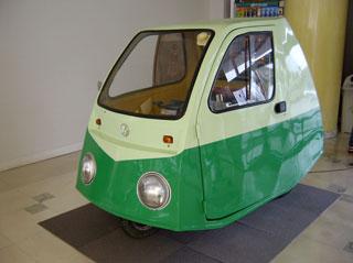 組み込み技術者(基礎)コース実習教材用小型電気自動車