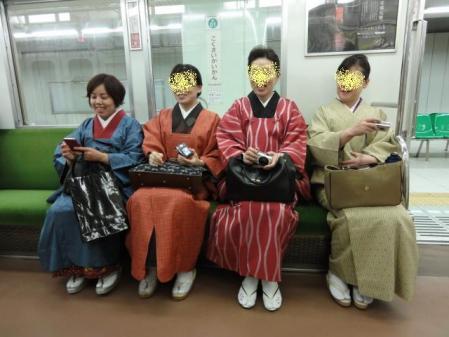地下鉄にて!