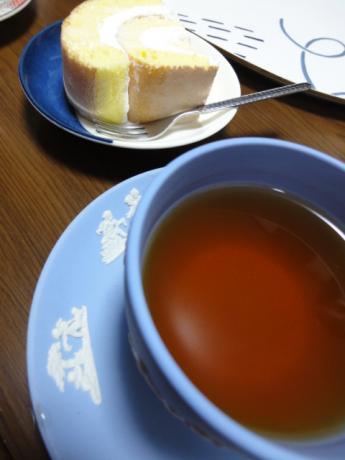 紅茶とロールケーキ!
