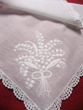 ①スズラン白い刺繍