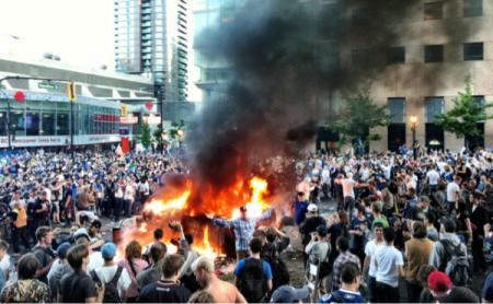 2011-vancouver-riot-stanley-cup-finals_convert_20110617151224.jpg
