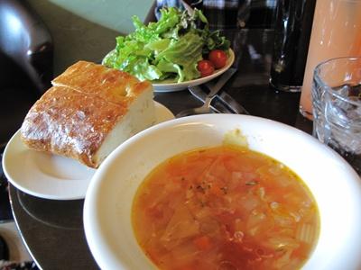 Rue Favart (リュ・ファヴァー) スープとパン